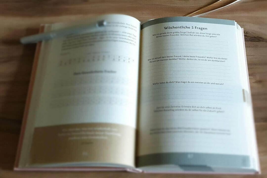 Das 6 Minuten Tagebuch wöchentliche Fragen