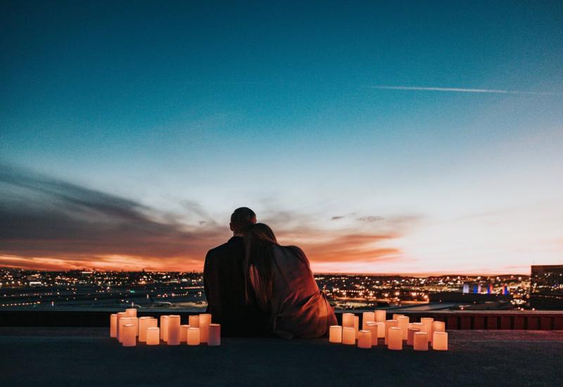 Freundin überraschen romantisch